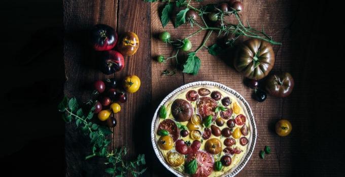Bunte Tomaten Quiche mit lockerem Quark Teig zur Tomatensaison