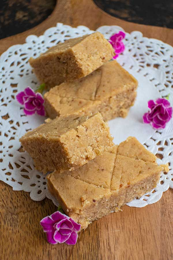 Healthy Gluten-Free No Bake Blondies