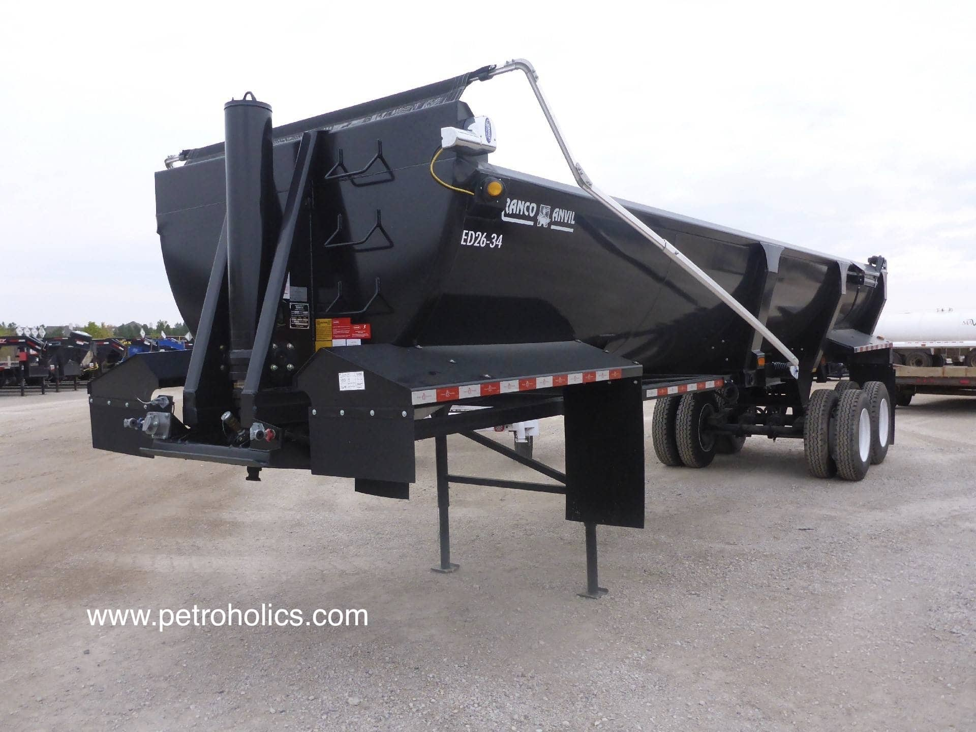UNUSED 2017 RANCO ED2634 34 Ft T/A Elliptical End Dump Trailer