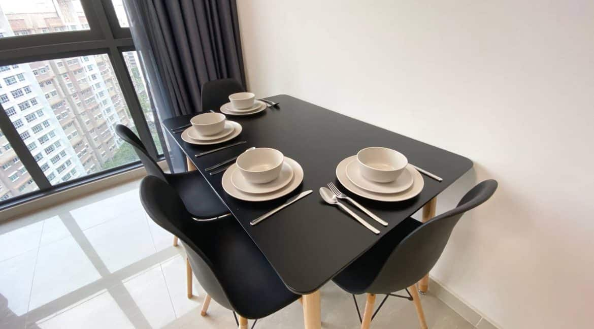 Symphony Suites 2 bedrooms for short term rent - Dining
