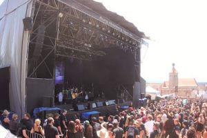 Sören Vogelsang spielt live auf dem Feuertanz Festival