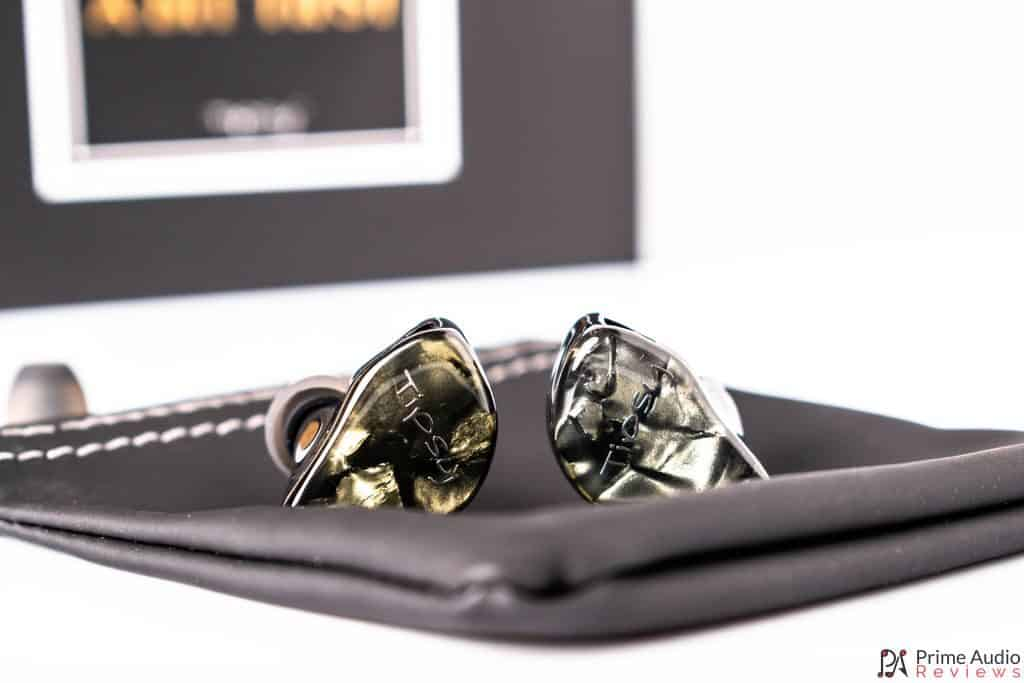 Earphones with carrying pouch