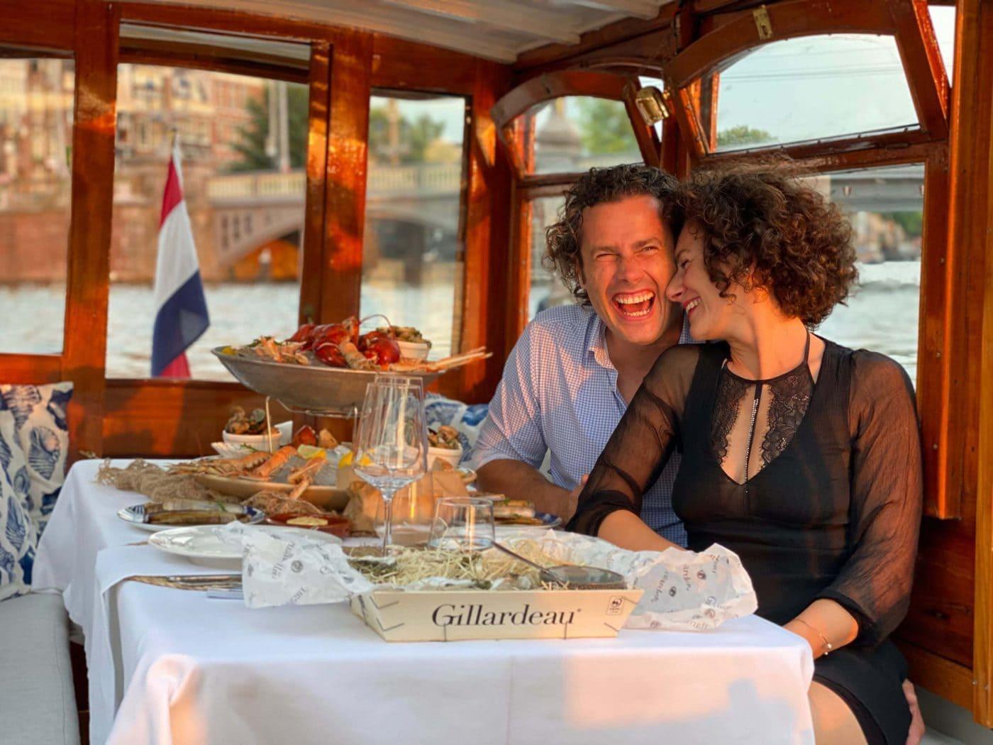 Amsterdam Grachtenfahrt mit essen und trinken in Amsterdam
