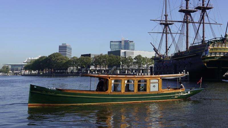 Salonboot huren Amsterdam de Amstel