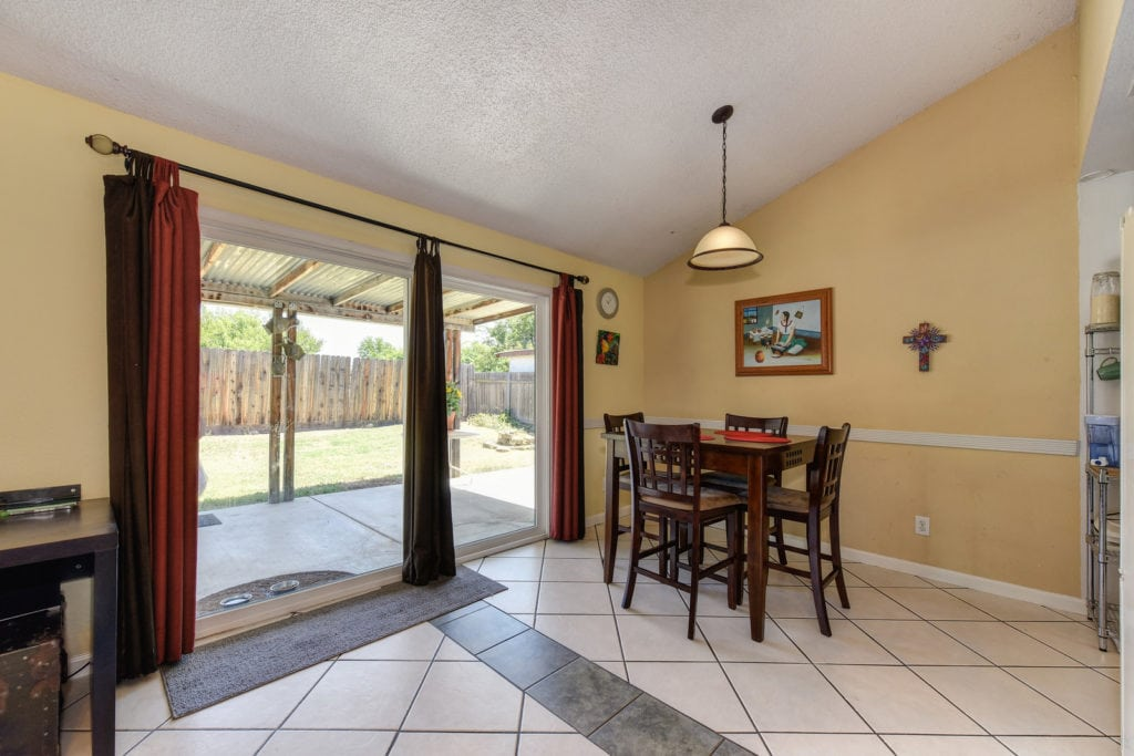 breakfast nook 384 Du Bois Ave Sacramento - For Sale - Steve Ostrom Coldwell Banker