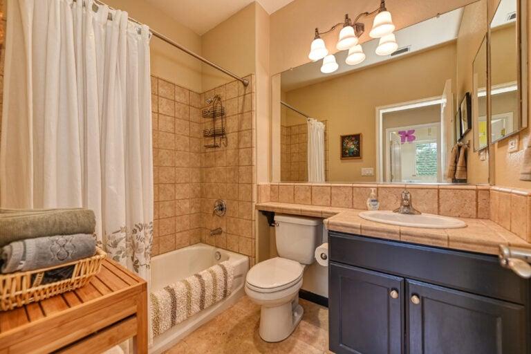 Bath-1stFlr-image-22