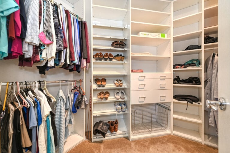Closet-Primary-image-34