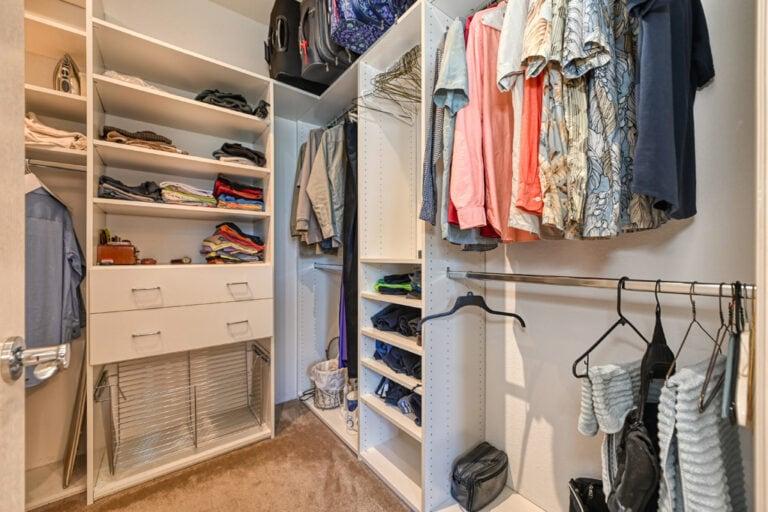 Closet-Primary-image-closet-prim-35
