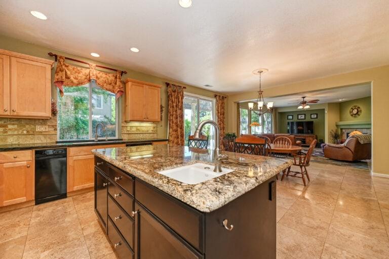 Kitchen-Tw-Family-image-12