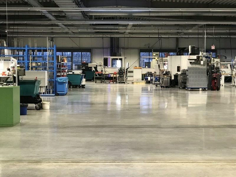 Industrieprojekt – 400 m2 Bürogebäude mit 2000 m2 Produktionshalle