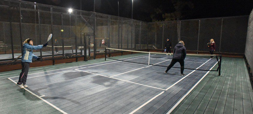 what is platform tennis