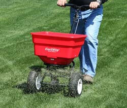 3. Earthway 2170 Commercial 100-Pound Broadcast Push Spreader