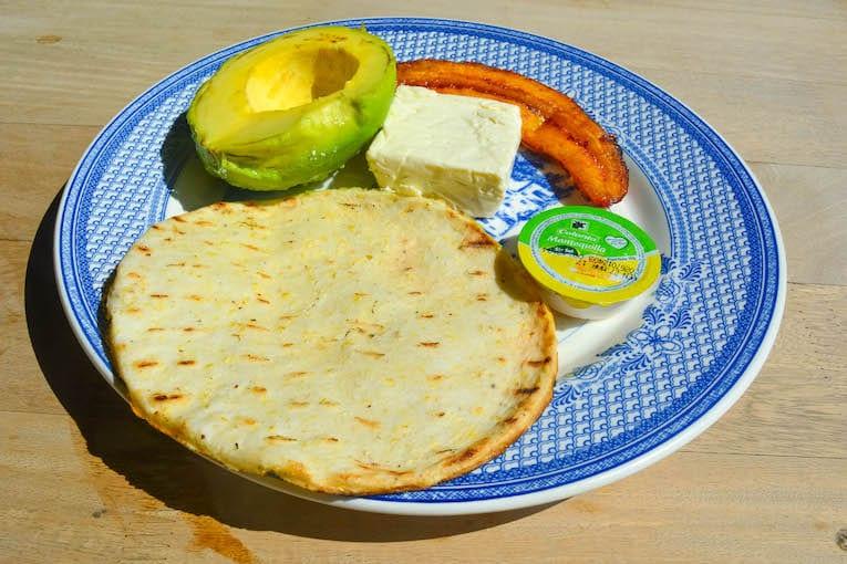 guatape-the-rock-Desayuno