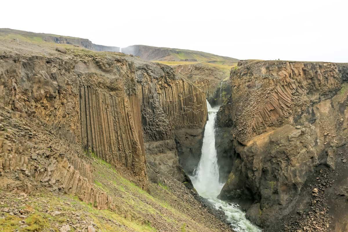 Cascada Hengifoss y Fardagafoss