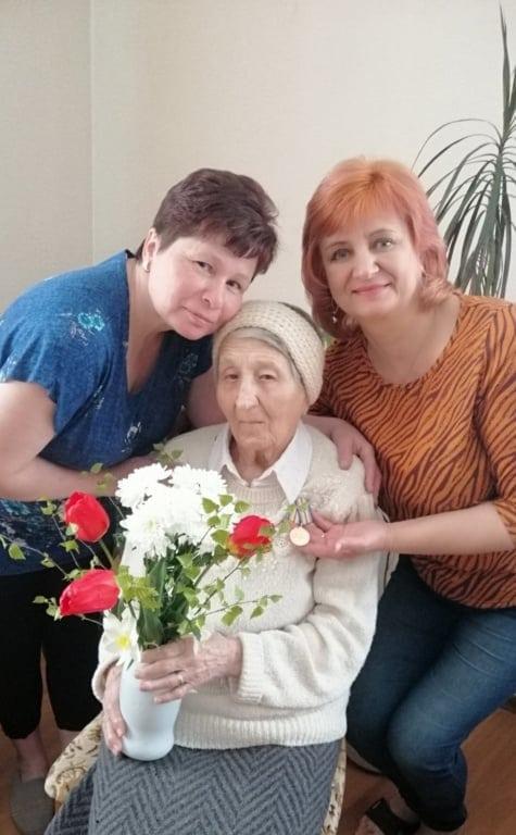 Поздравление ветеранов с Днем Победы в доме престарелых