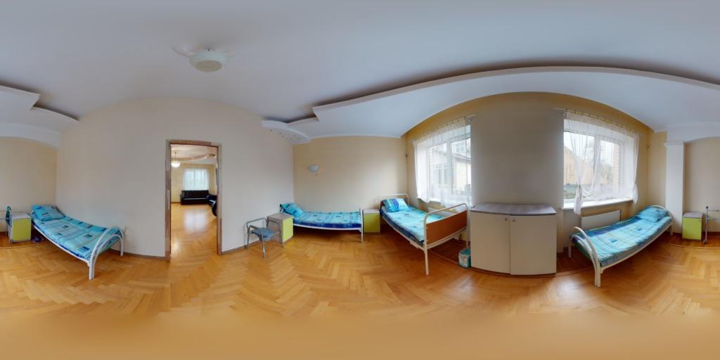 общий вид спальни №2 в доме престарелых