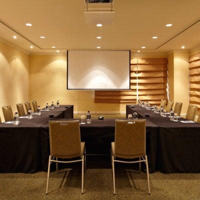 U-shape meeting room