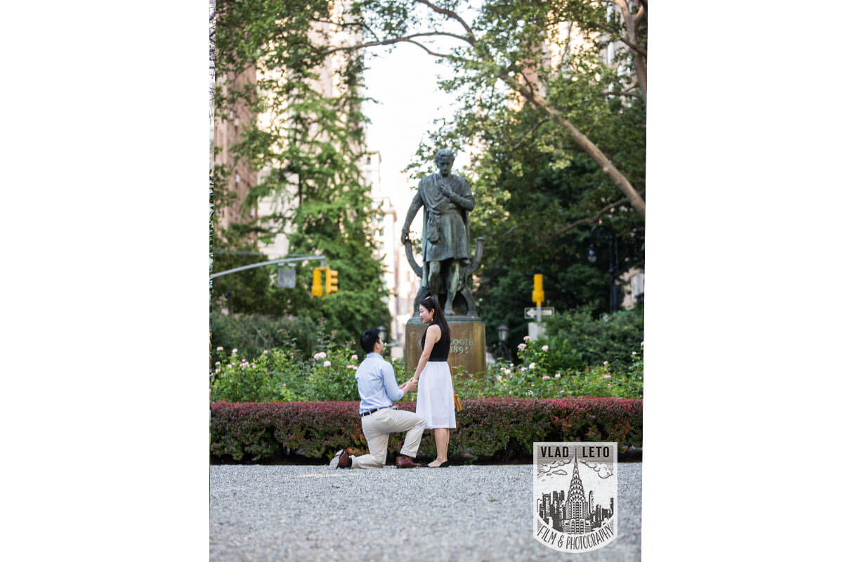Photo 27 Best Places to Propose in NYC + Tips. | VladLeto