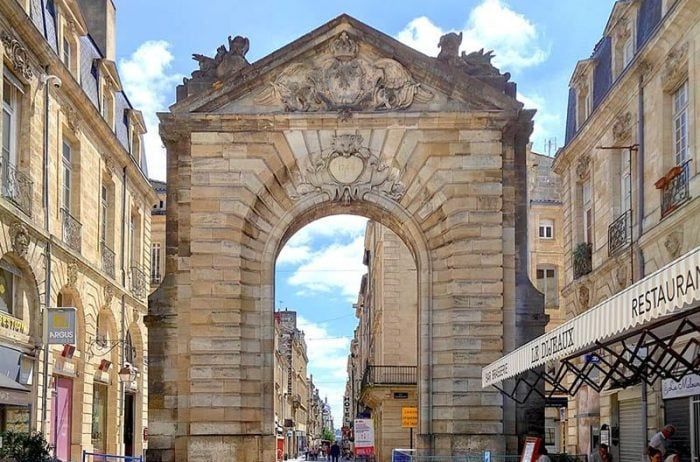 Bordeaux historic tour french linguistic stay