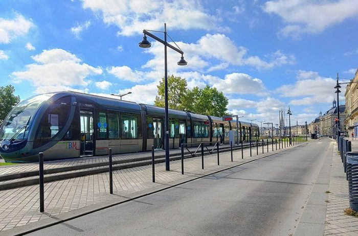 Bordeaux tram french linguistic stay