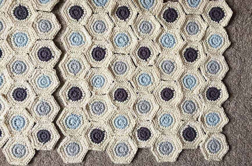 How to make crochet cushion cover from hexagonal shapes