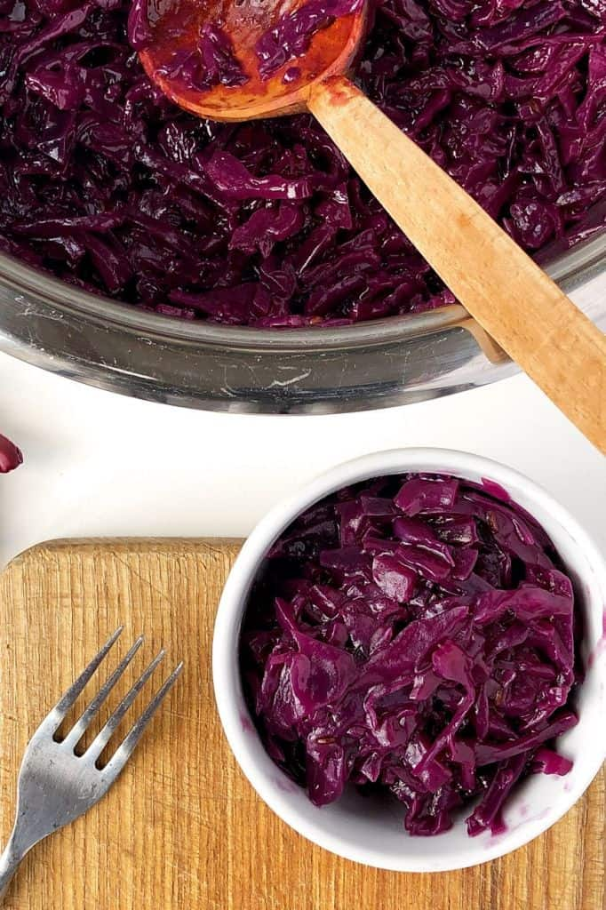 Simple braised red cabbage