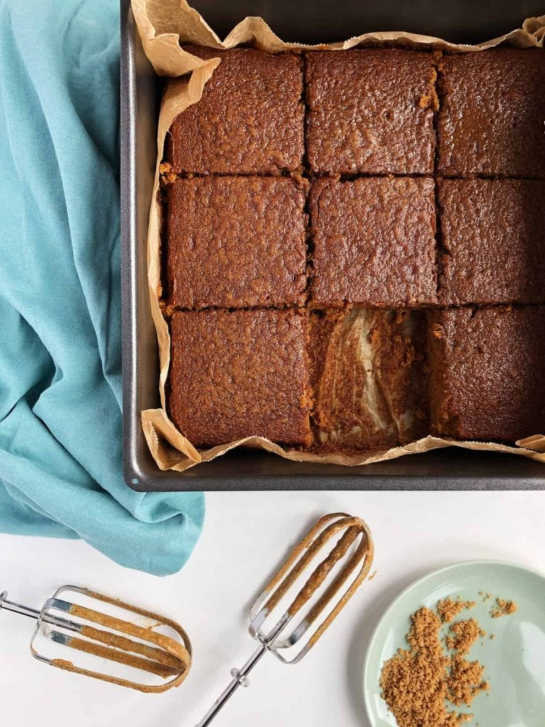 baked sticky toffee pudding without dates