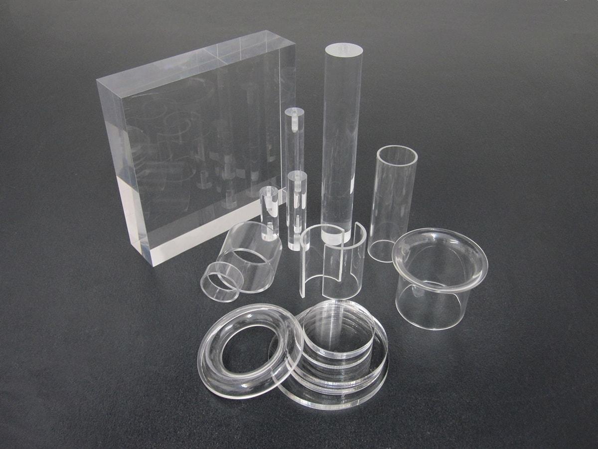 différentes formes de plexiglass