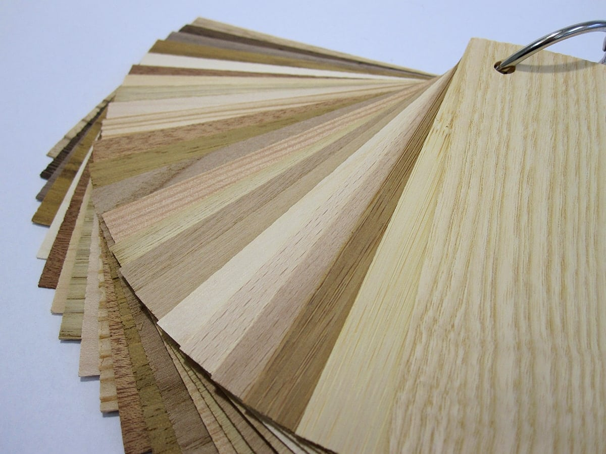Nuancier de différentes essences de bois