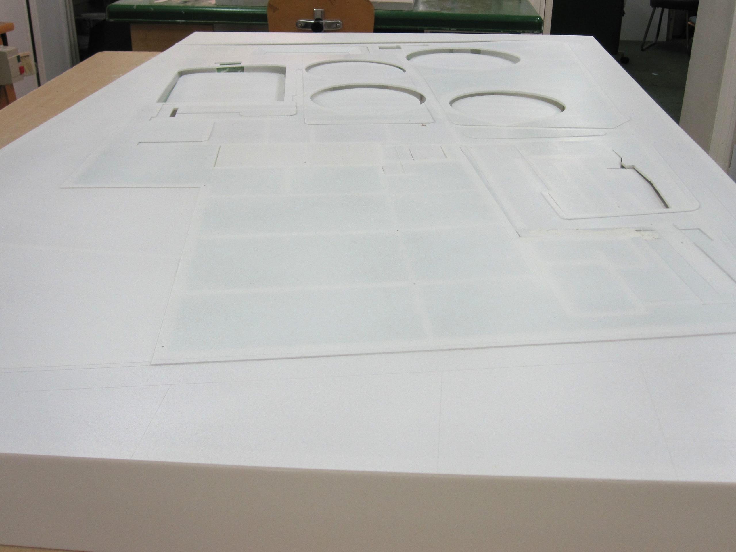 Socle modelé avec plaque de plexiglas, station épuration rosny sur seine otv socle