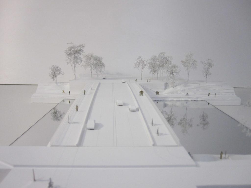 Maquette d'urbanisme du pont de Ulm en Allemagne par Explorations architecture