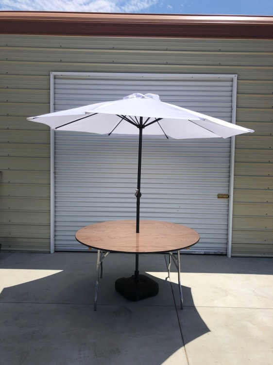 MARKET TABLE WITH UMBRELLA