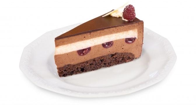 torcik z czekoladowy z malinami