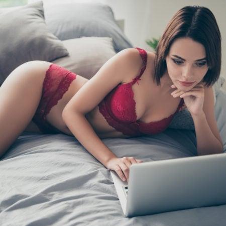 Online date ?! To av tre online datere møtes ansikt til ansikt: hvor lenge bør du vente?