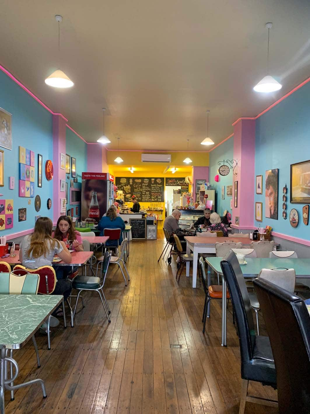 The Retro Diner