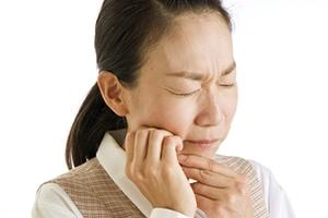 突然痛みだした知覚過敏!歯医者に行けば痛みはなくなる?