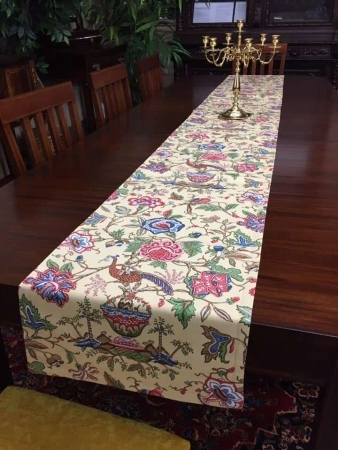 Traditional Table Runner