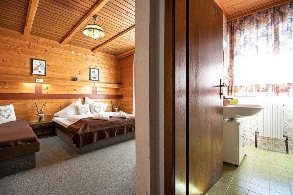 Dreibettzimmer + Bad