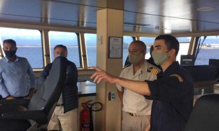 El nuevojefe de la Prefectura Mar del Plata visito buques del INIDEP