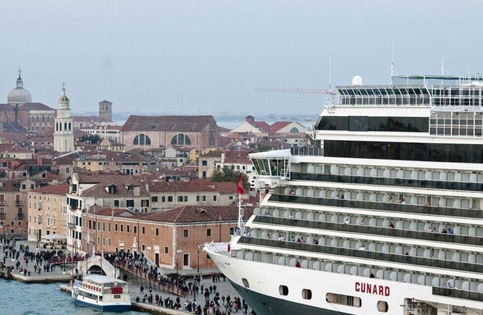 Italia prohíbe que los cruceros lleguen a Venecia