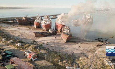 """Madryn: Principio de incendio en el buque """"Cabo Buena Esperanza"""""""