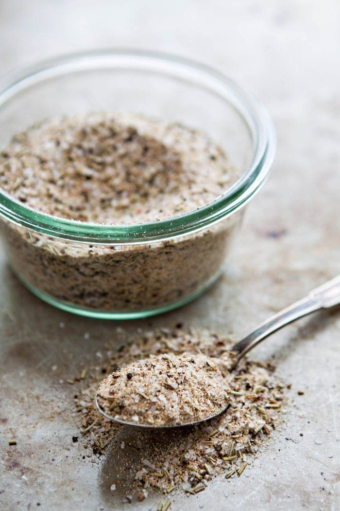 Homemade Garlic Herb Salt - DIY Homemade Seasoning Blends