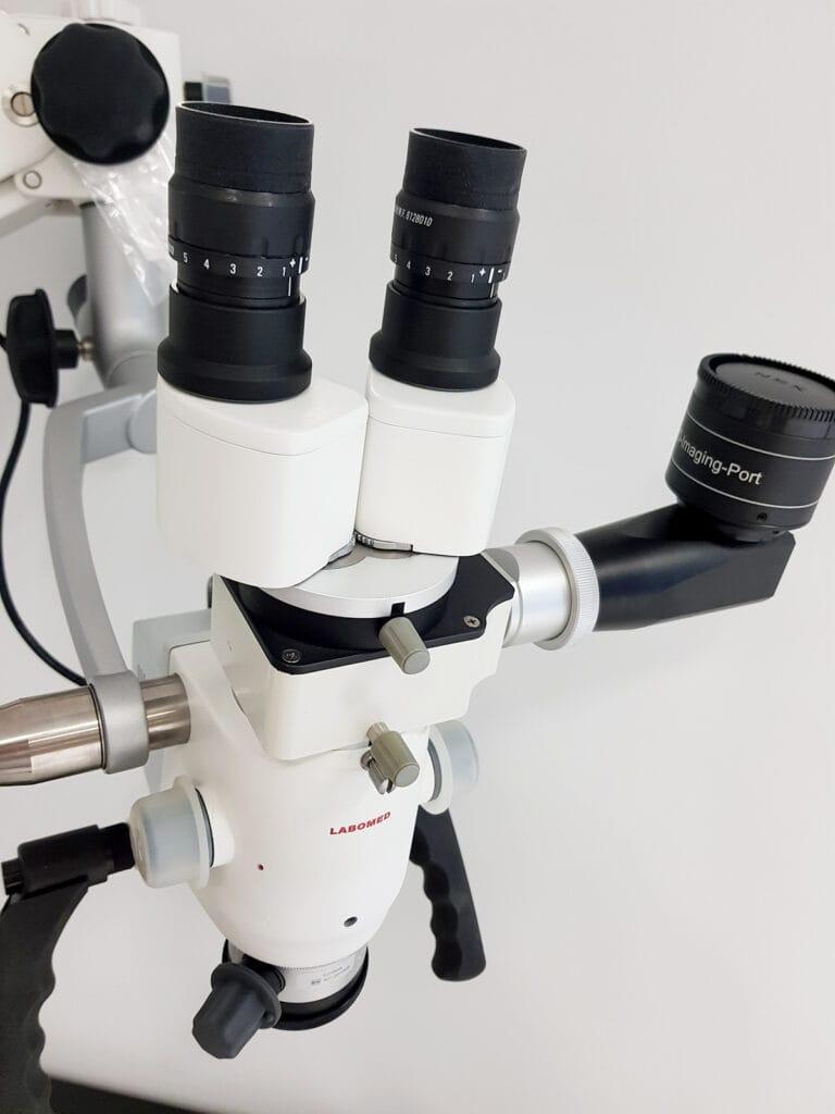 Abbildung eines Mikroskops für den HNO-Arzt