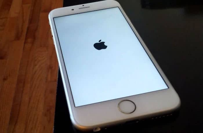 iphone-6s-plus-booting-up-1641611