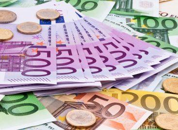 Stipendio minimo per gli agenti di viaggi: in Francia ora parte da 1.510 euro