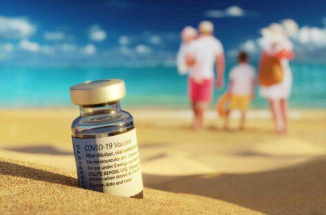 Vaccini in vacanza, via libera di Figliuolo