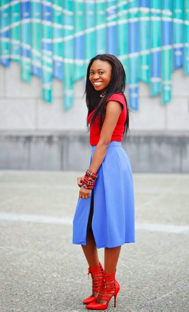 Red and blue outfit inspiration: Wrap skirt and lace up heels