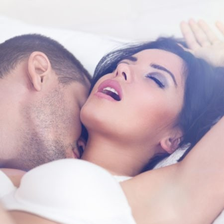 Your Guide To Hook Ups- How Do You Prevent Yourself From Catching Feelings?