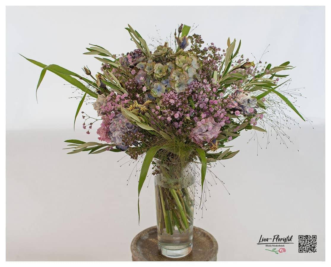 Hortensie, Nelken und Lisianthus