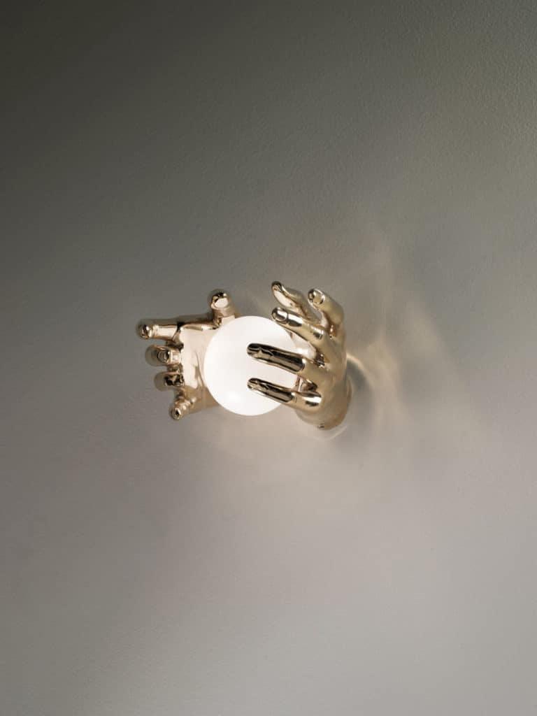 mani-bronzo-1-applique-lampade-parete-muro-design-classiche-lusso-vetro-murano-artigianali